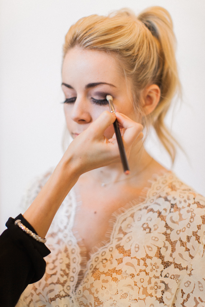 Engaged Party Look Make up tips Lace Robe